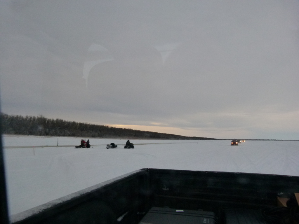 Ice road to search site