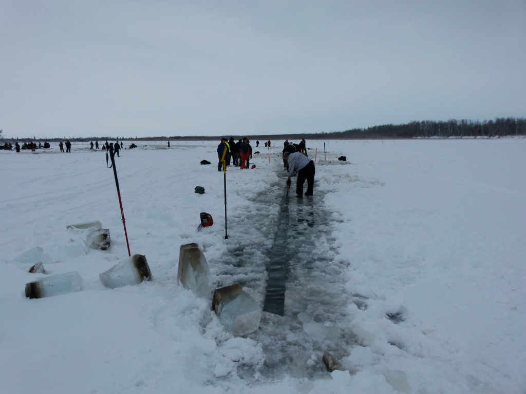 Clearing ice for the sonar